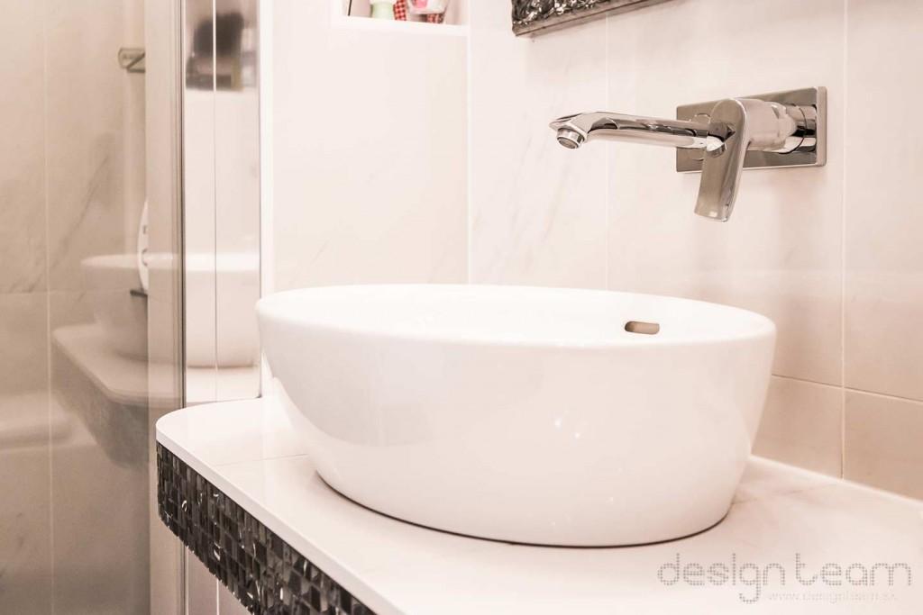 Spolu s klientom sme vybrali elegantné umývadlo a podomietkovú batériu.